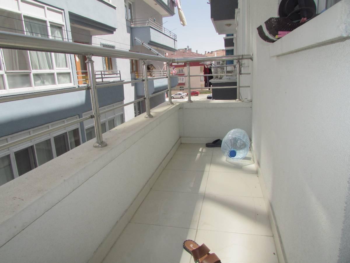 SR EMLAK'TAN TANDOĞAN MAH'DE 3+1 120 m² ARA KATTA ASANSÖRLÜ YAPILI DAİRE