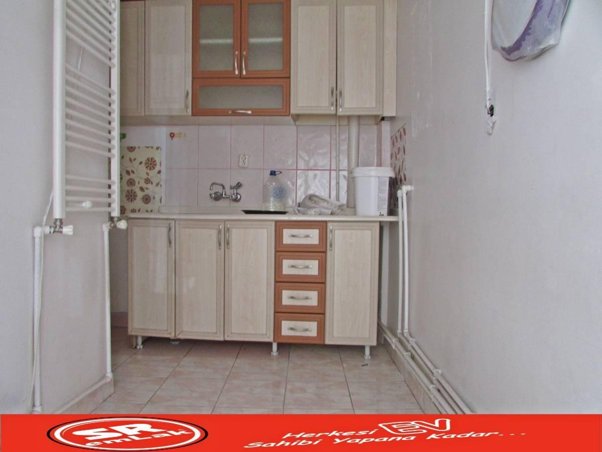 SR EMLAK'TAN ATATÜRK MAHALLESİN'DE 2+1 85 m² ULAŞIMA YAKIN DAİRE