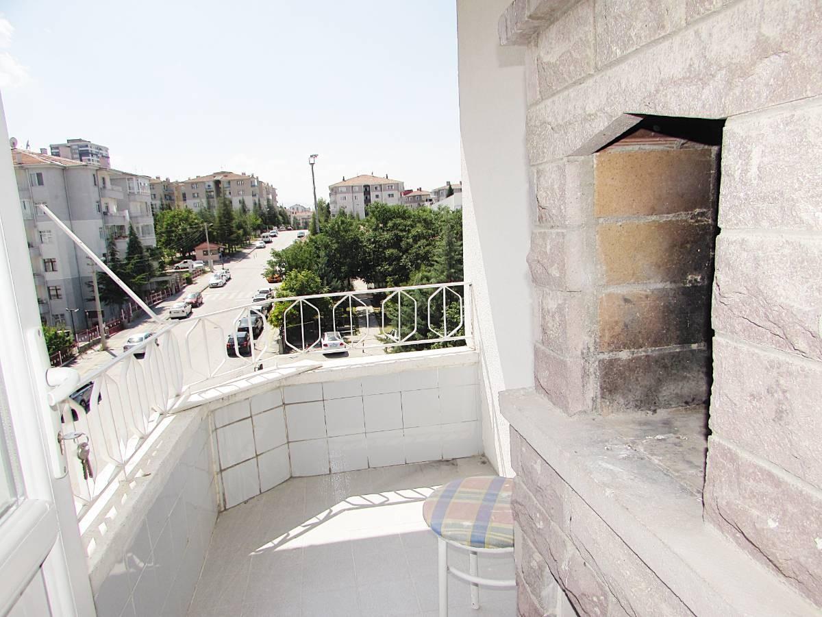 SR EMLAK'TAN OSMANLI MAH'DE 3+1 115 m² ULAŞIMA YAKIN ÖN CEPHE DAİRE