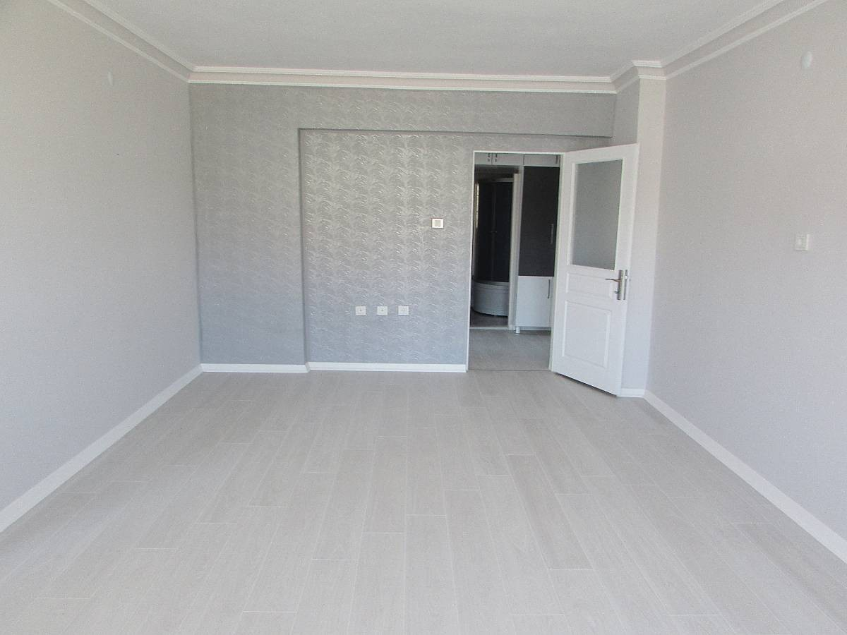 SR EMLAK'TAN M. KEMAL MAH'DE 3+1 125 m² ÖN CEPHE EBEVEYN BANYOLU MASRAFSIZ DAİRE