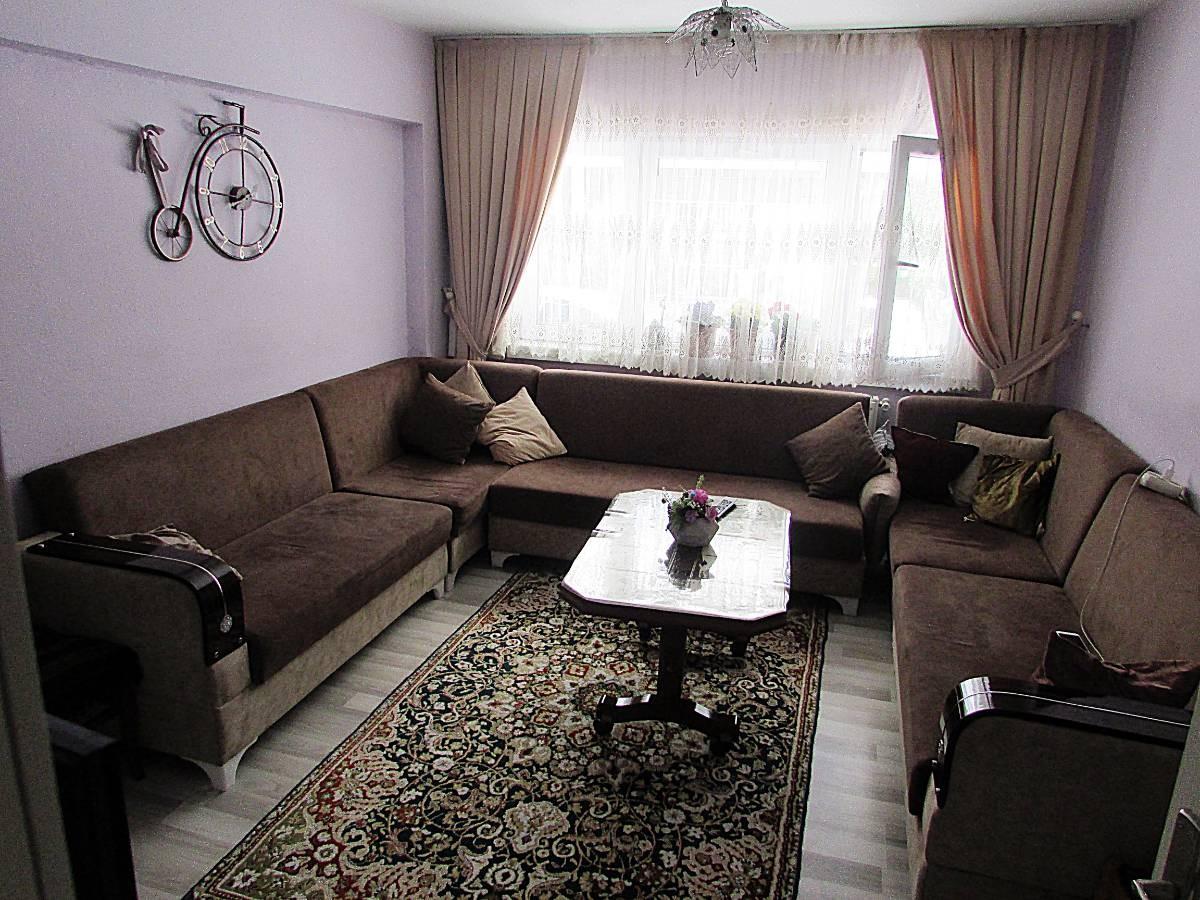 SR EMLAK'TAN İSTASYON MAH'DE 2+1 85 m²  ÖN CEPHE YAPILI ULAŞIMA YAKIN DAİRE
