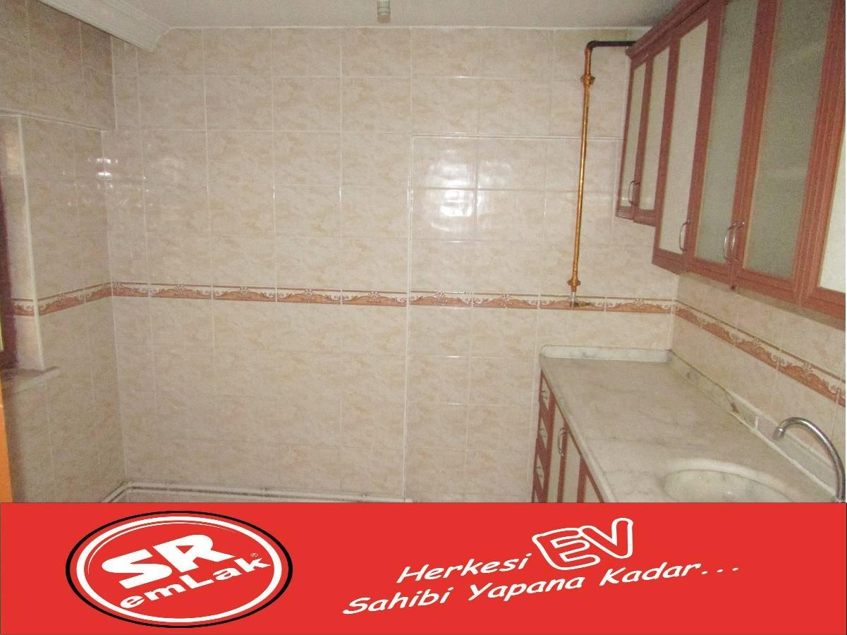 SR EMLAK'TAN PINARBAŞI MAHALLESİN'DE 3+1 100 m² CADDEYE YAKIN DAİRE