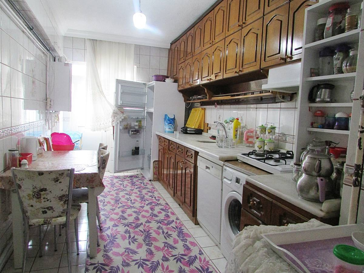 SR EMLAK'TAN AKŞEMSETTİN MAH'DE 3+1 120 m²  KATTA ÖN CEPHE DAİRE