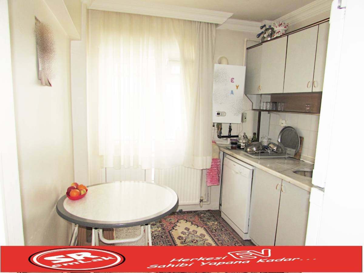 SR EMLAK'TAN M. ÇAKMAK MAH'DE 3+1 105 m² ARA KATTA ÖN CEPHE DAİRE