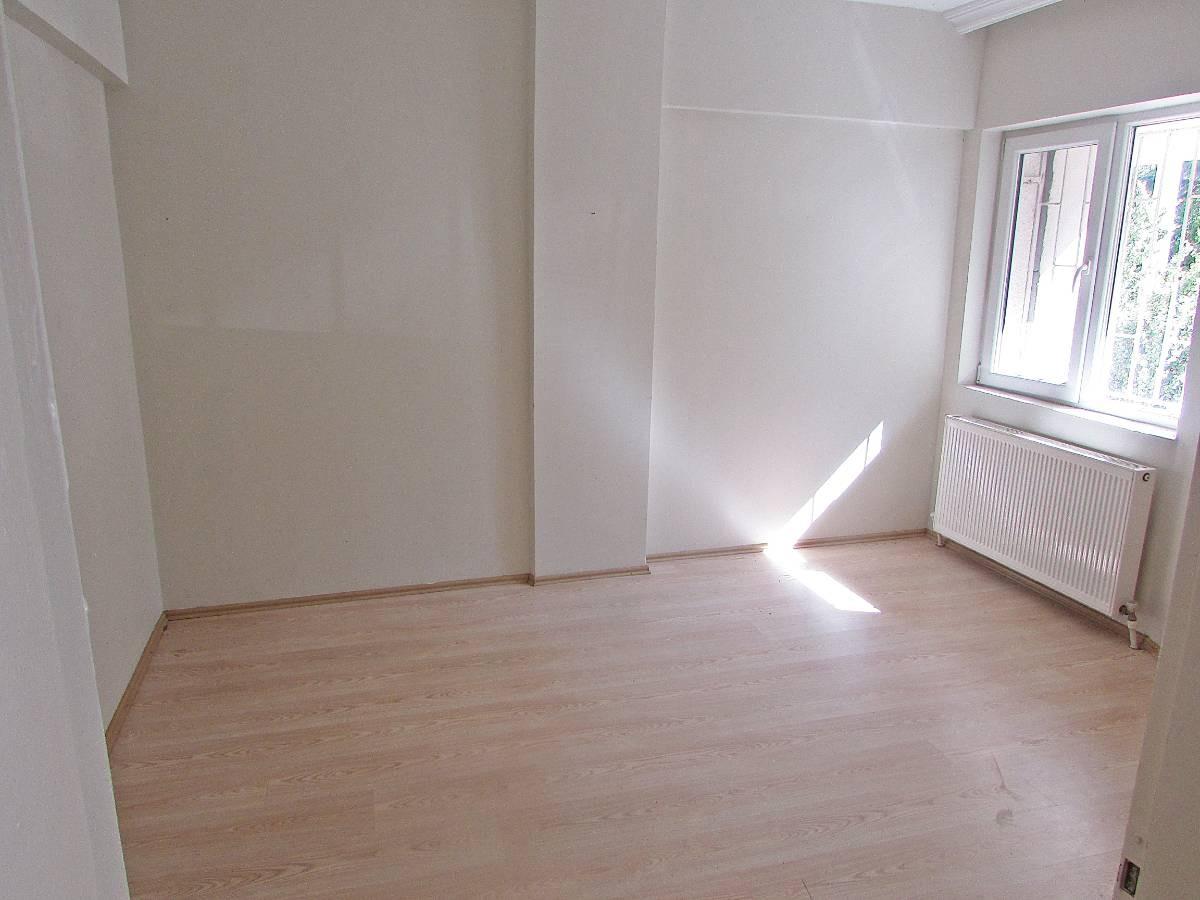 SR EMLAK'TAN İSTASYON MAH'DE 2+1 85 m² ARA KATTA ÖN CEPHE DAİRE
