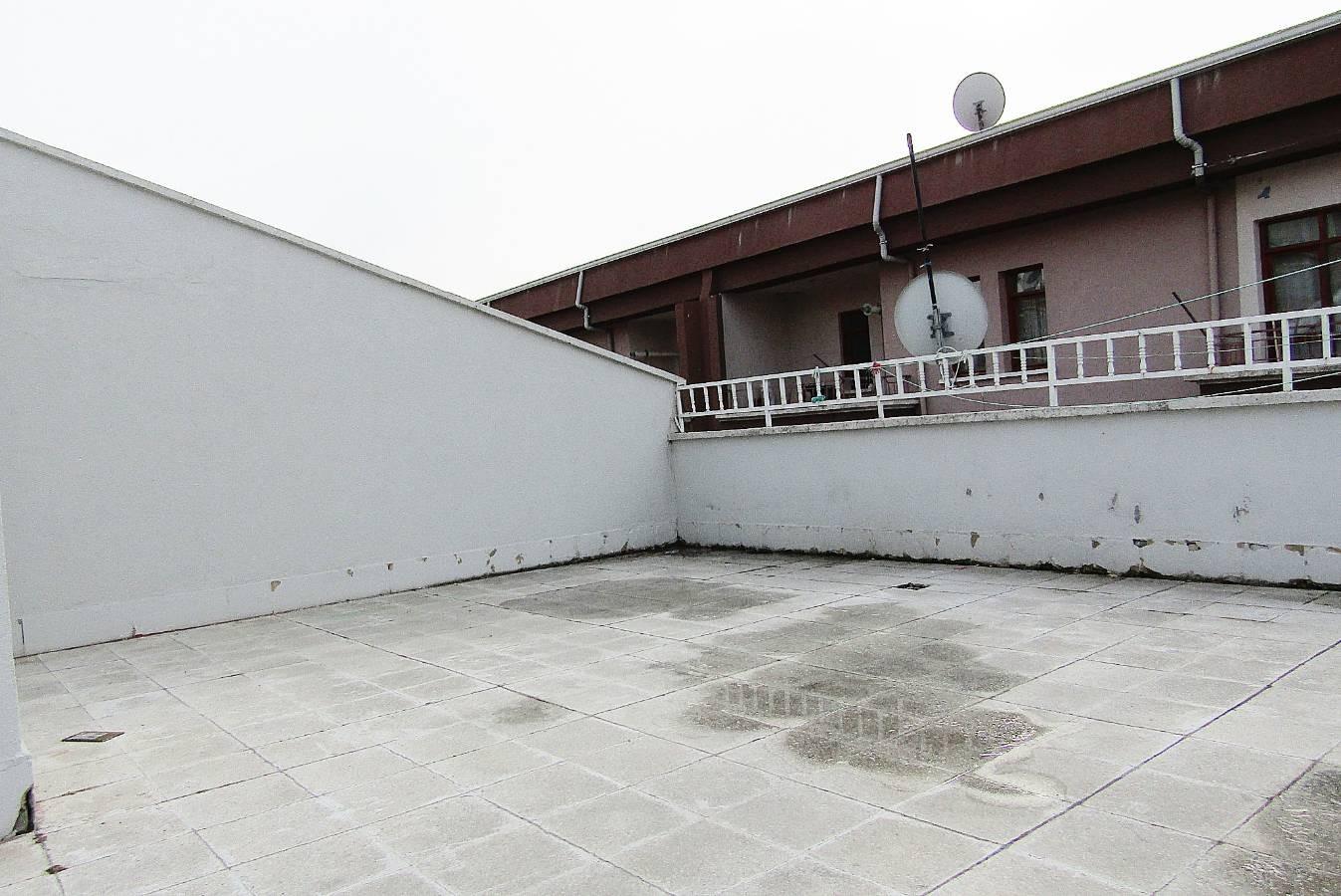 SR EMLAK'TAN PİYADE MAH'DE 5+1 200m² ÖN CEPHE TERAS DAİRE