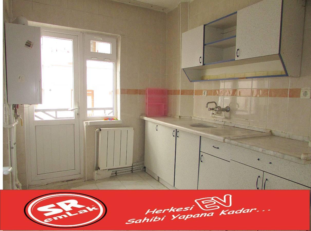 SR EMLAK'TAN MALAZGİRT MAH'DE 3+1 100 m² ULAŞIMA YAKIN DAİRE