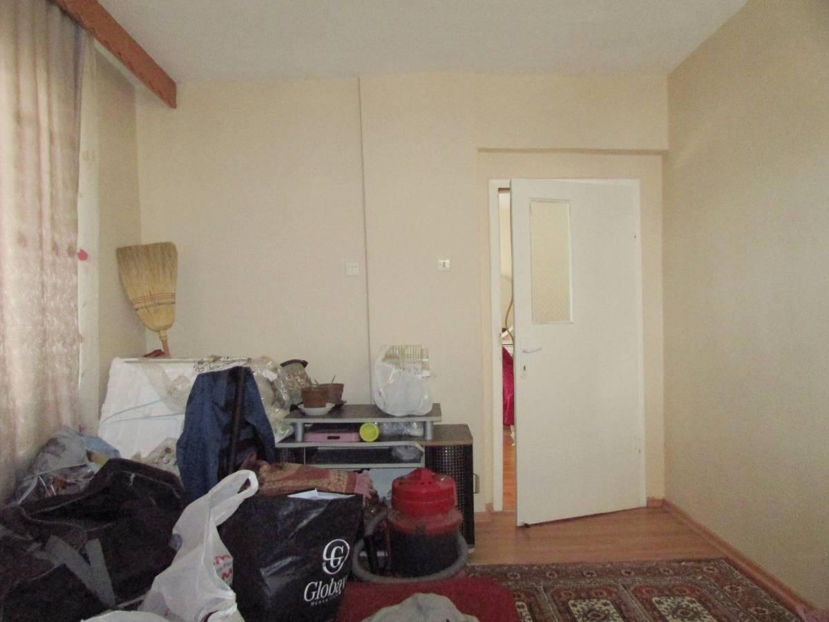 SR EMLAK'TAN TANDOĞAN MAHALLESİN'DE 3+1 120 m² ÖN CEPHE  ARA KATTA DAİRE