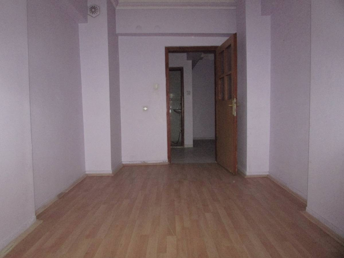 SR EMLAK'TAN MALAZGİRT MAHALLESİN'DE 3+1 120 m²  BAĞIMSIZ  ÖN CEPHELİ DAİRE