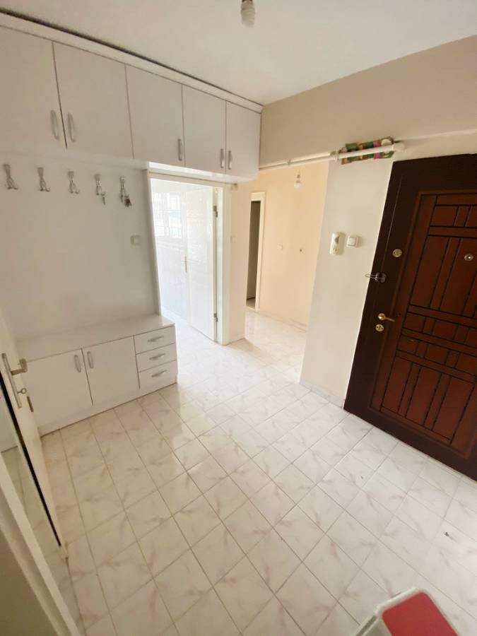 SR EMLAK'TAN AKŞEMSETTİN MAH'DE 5+1 205 m² KATTA ÖN  CEPHE DUBLEX DAİRE
