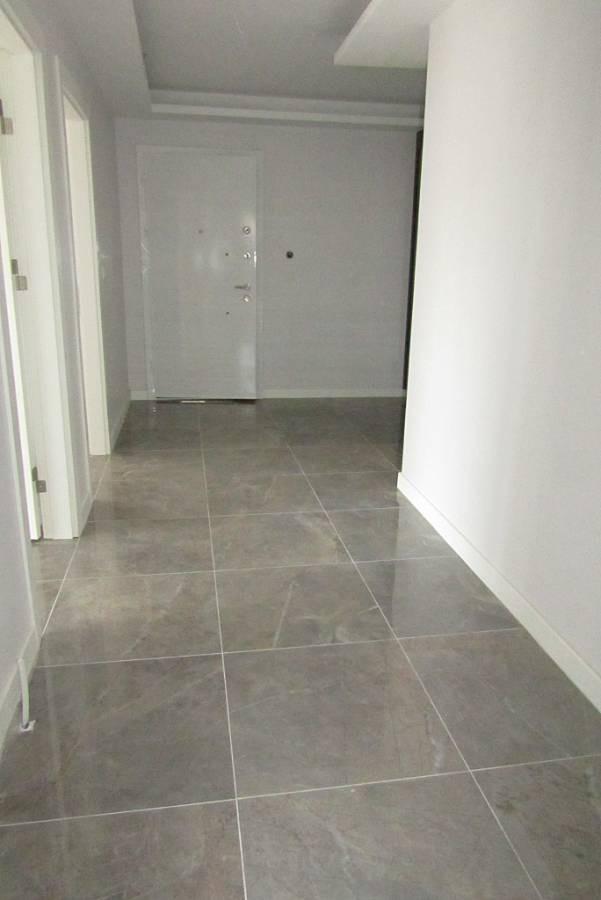 SR EMLAK'TAN AHİMESUT MAH'DE 3+1 150 m²  ARA KATTA  FULL YAPILI GİYSİ ODALI SIFIR DAİRE