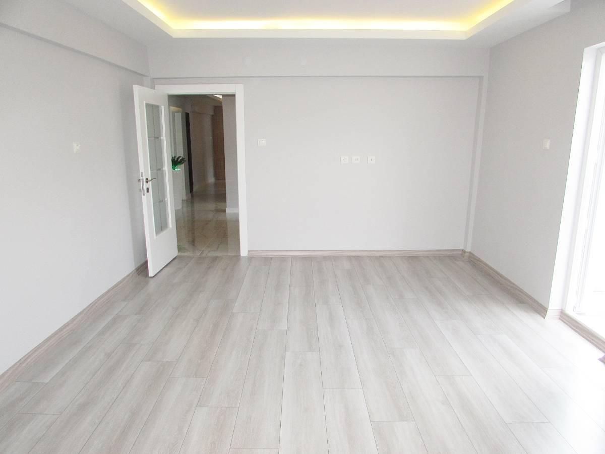 SR EMLAK'TAN M.ÇAKMAK MAH'DE 3+1 115m² KATTA FULL YAPILI DAİRE