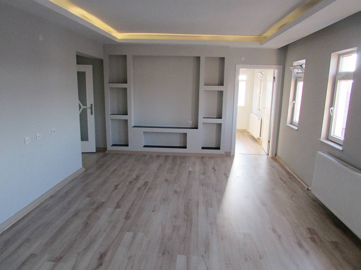 SR EMLAK'TAN 3+1 115 m² KATTA FULL YAPILI ÖN CEPHE DAİRE