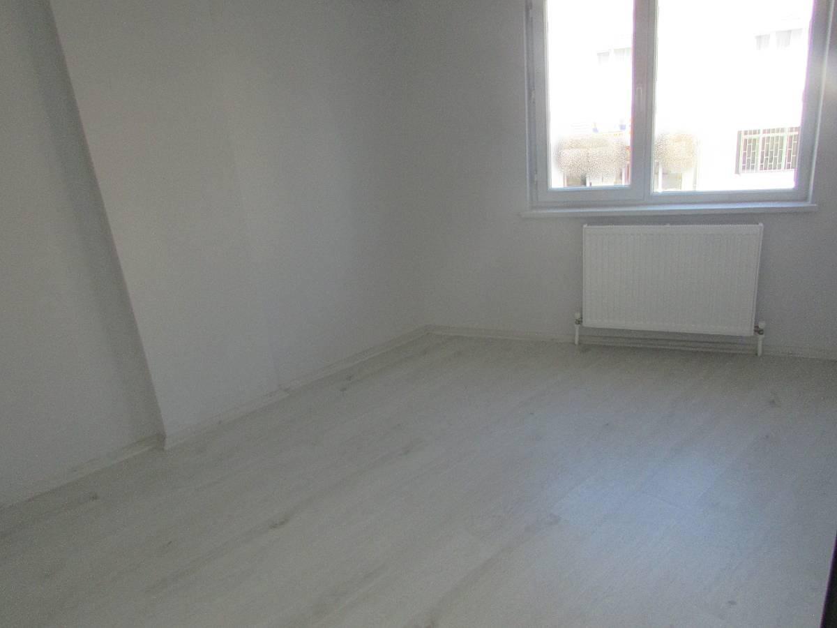 SR EMLAK'TAN İSTASYON MAH'DE 3+1 105 m² ARA KATTA ÖN CEPHE FULL YAPILI MASRAFSIZ DAİRE