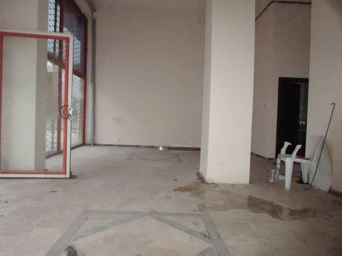 SR EMLAK'TAN PINARBAŞI MAH'DE 30 m² ULAŞIMA YAKIN  SATILIK DÜKKAN