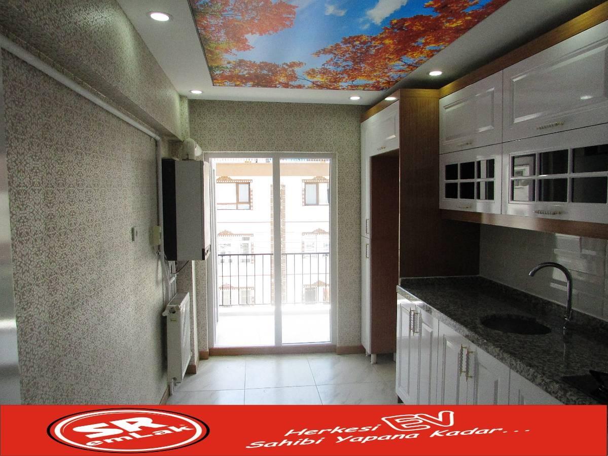 SR EMLAK'TAN AKŞEMSETTİN MAH'DE 3+1 115 m² KATTA BAĞIMSIZ ÖN CEPHE  FULL YAPILI DAİRE