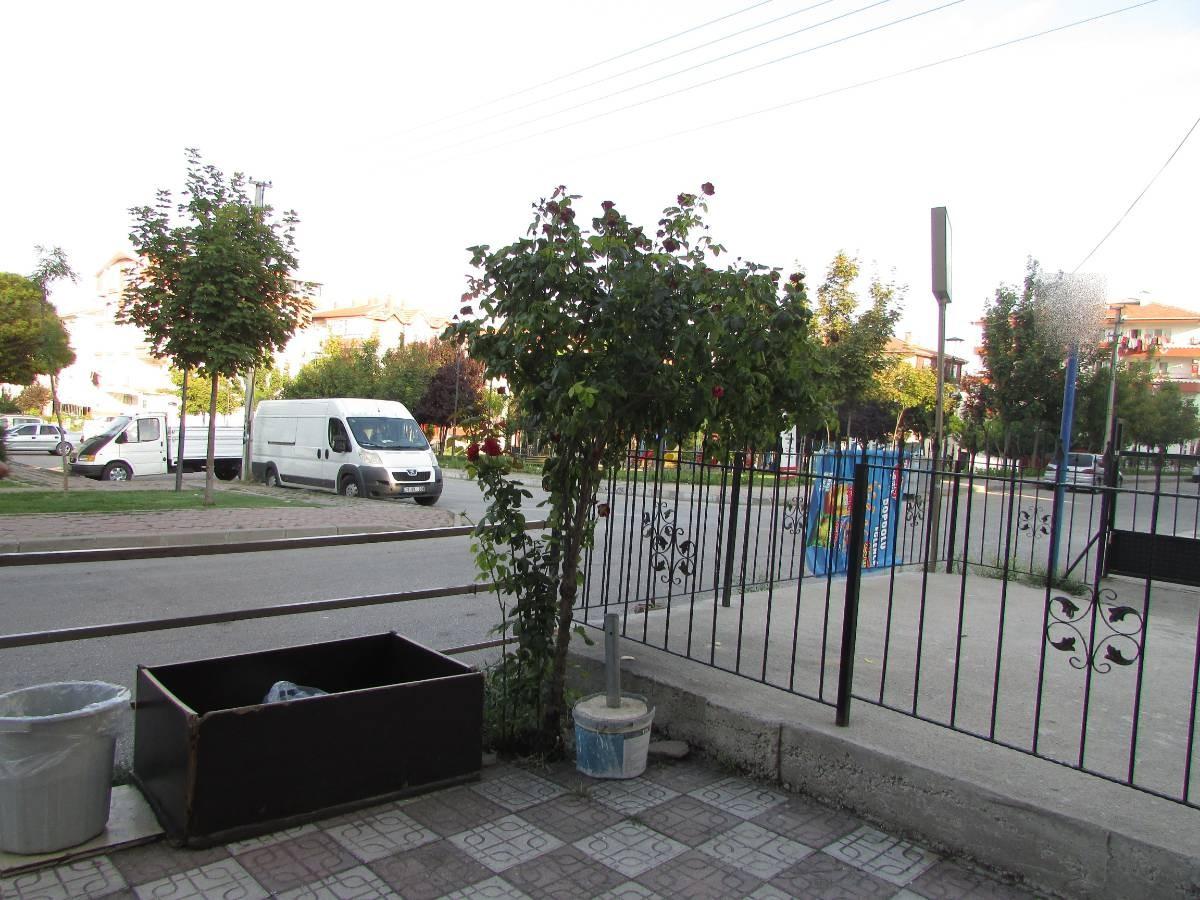 SR EMLAK'TAN PINARBAŞI MAH'DE  80 m² ULAŞIMA YAKIN KÖŞE BAŞI SATILIK DÜKKAN