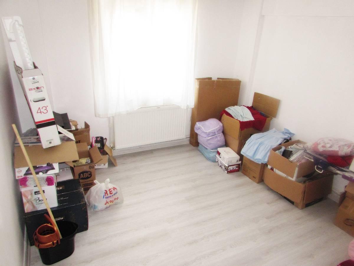 SR EMLAK'TAN SELÇUKLU MAH'DE 3+1 120 m² ARA KATTA  ÖN CEPHE DAİRE