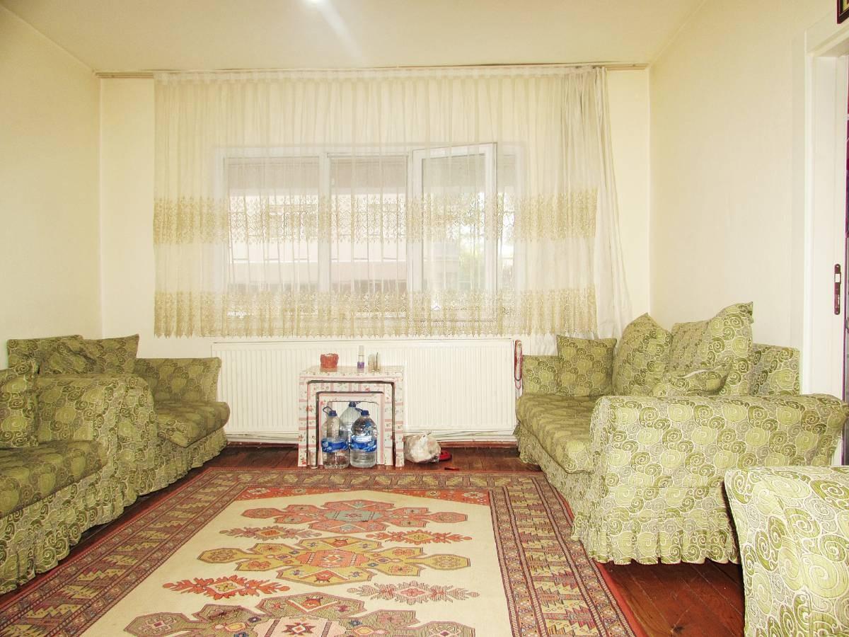 SR EMLAK'TAN SELÇUKLU MAH'DE 3+1 115 m²  ULAŞIMA YAKIN ÖN CEPHE DAİRE