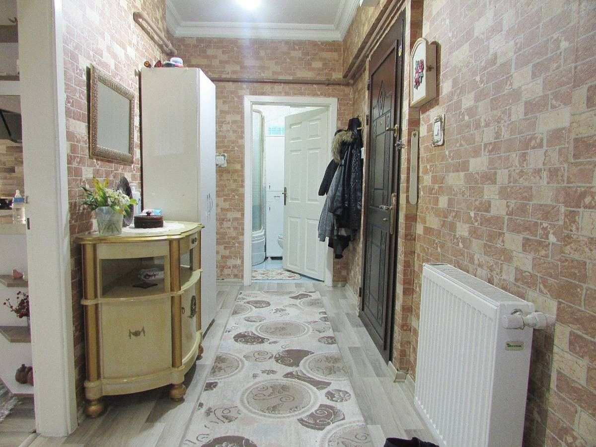 SR EMLAK'TAN PINARBAŞI MAH'DE 3+1 115 m² ARA KATTA MASRAFSIZ YAPILI DAİRE