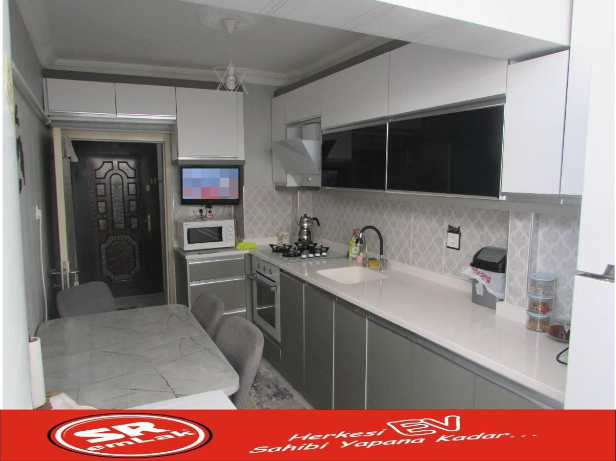 SR EMLAK'TAN İSTASYON MAH'DE 3+1 115 m² ARA KATTA YAPILI MANTOLAMALI DAİRE
