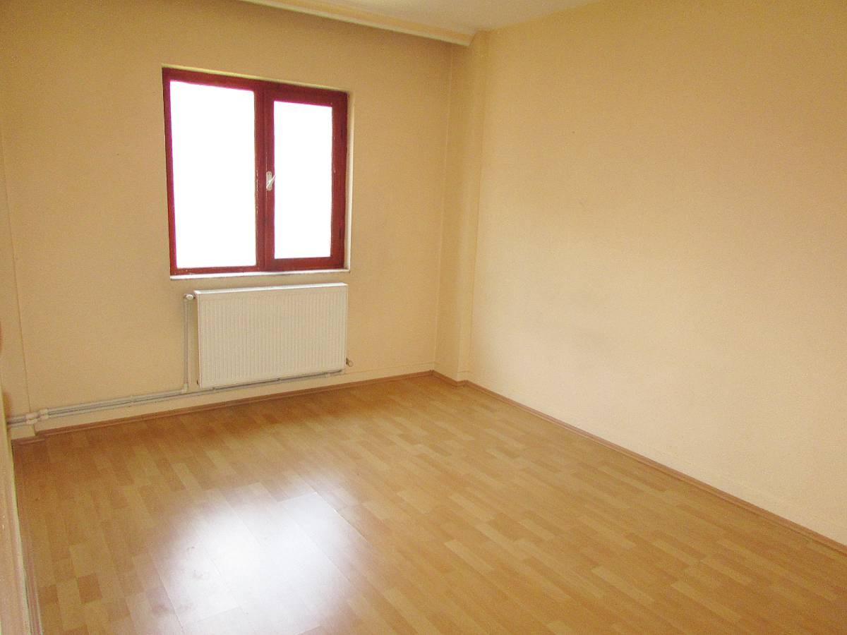 SR EMLAKTAN AHİEVRAN MAH'DE 3+1 110 m² ARA KATTA ULAŞIMA YAKIN DAİRE