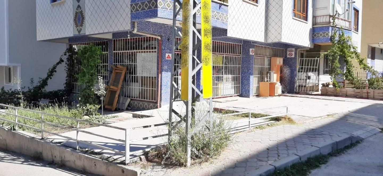 SR EMLAK'TAN TANDOĞAN MAH'DE 65 m² ULAŞIMA YAKIN KÖŞE BAŞI  DÜKKAN