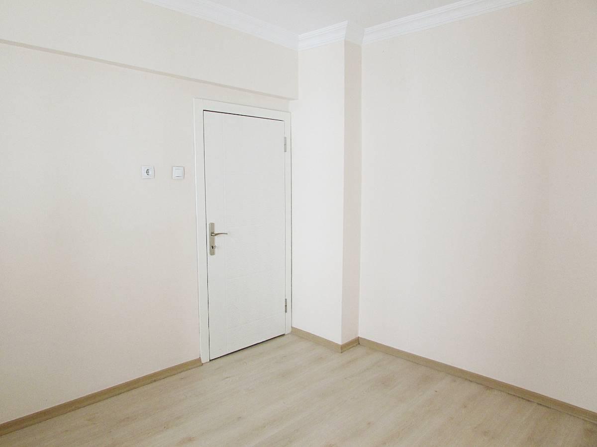 SR EMLAK'TAN İSTASYON MAH'DE 3+1 110 m² BAĞIMSIZ ULAŞIMA YAKIN DAİRE