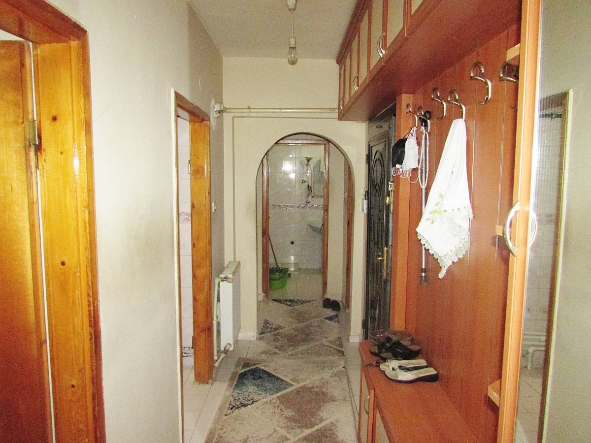 SR EMLAK'TAN AHİEVRAN MAH'DE 3+1 120 m² ARA KATTA ÖN CEPHE DAİRE