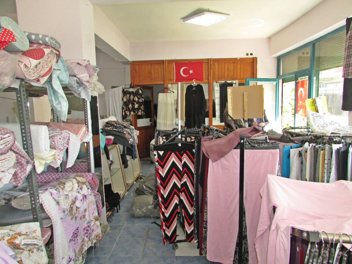 SR EMLAK'TAN MALAZGİRT  MAH'DE 1000 m²  KÖŞE BAŞI DÜKKAN