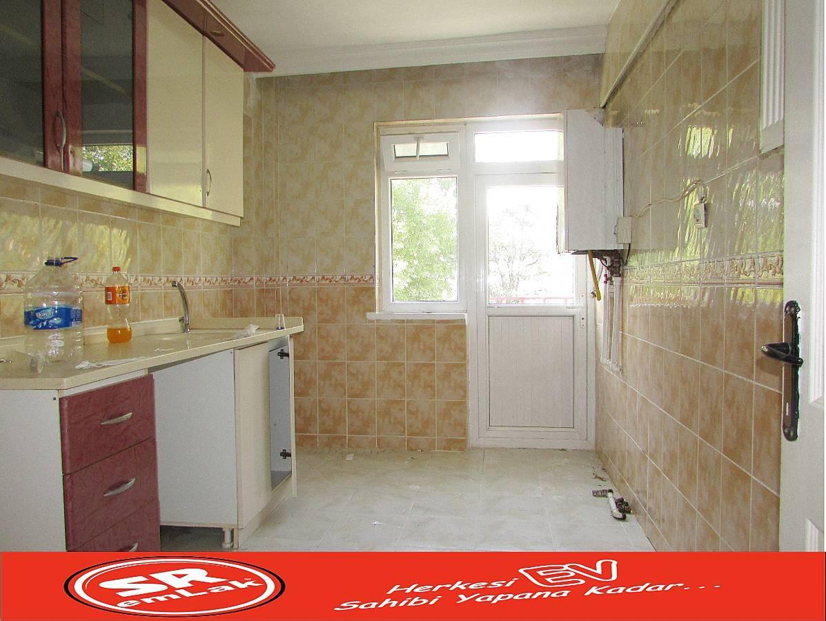 SR EMLAK'TAN AKŞEMSETTİN MAH'DE 3+1 110 m² ARA KATTA BAĞIMSIZ ÖN CEPHE DAİRE