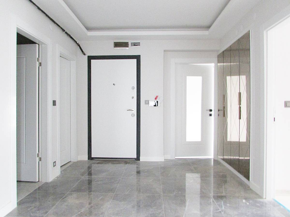 SR EMLAK'TAN İSTASYON MAH'DE 3+1 100 m²  ARA KATTA BAĞIMSIZ SIFIR ASANSÖRLÜ DAİRE
