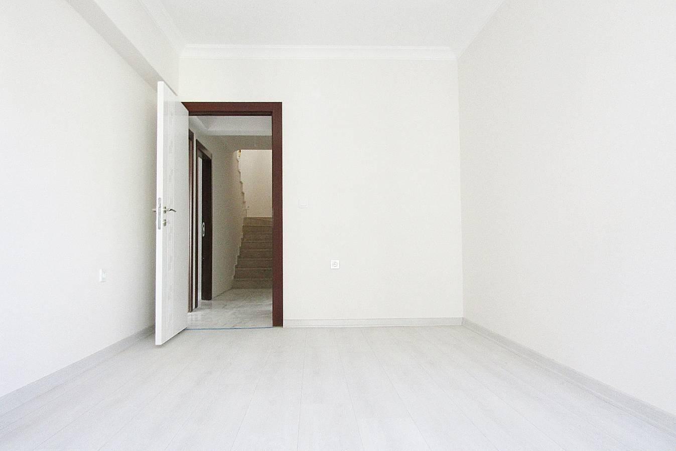 SR EMLAK'TAN İSTASYON MAH'DE 4+1 210 m² ASANSÖRLÜ FULL YAPILI TERAS DAİRE