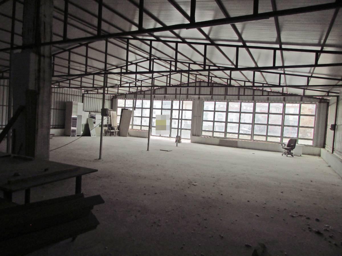 SR EMLAK'TAN AHİEVRAN  MAH'DE 1500 m² CADDE ÜZERİNDE SATILIK DÜKKAN