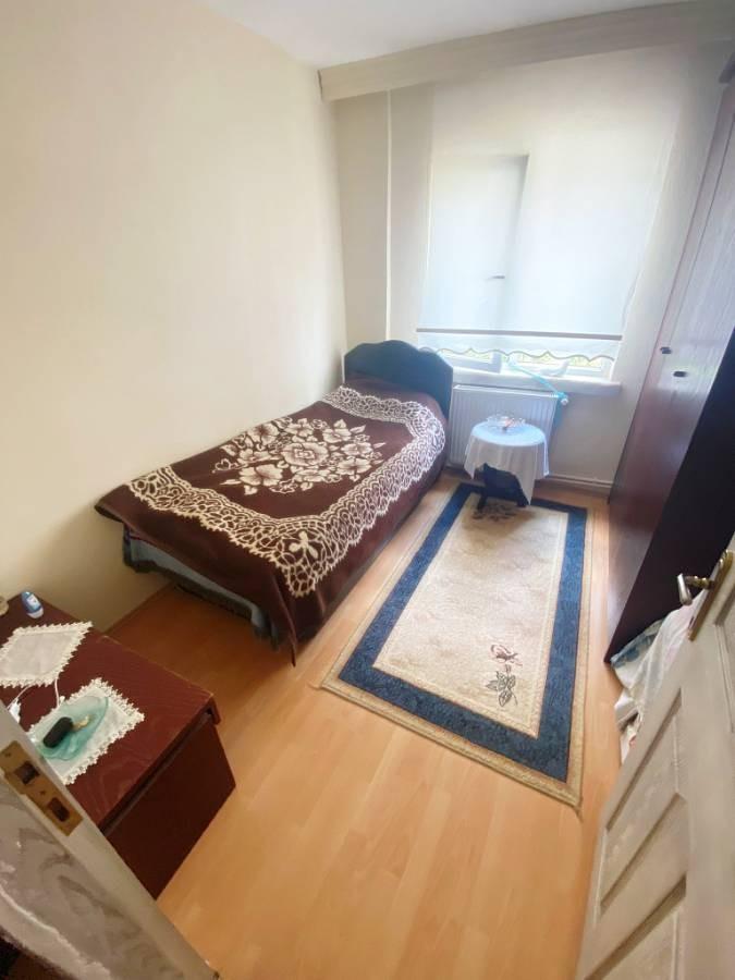 SR EMLAK'TAN AKŞEMSETTİN MAH'DE 3+1 110 m² KATTA TRENE YAKIN MANTOLAMALI DAİRE