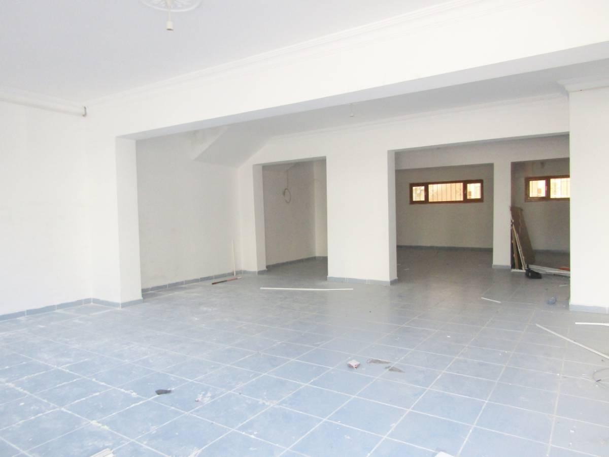 SR EMLAK'TAN PİYADE MAH'DE 95 m² CADDEYE YAKIN DÜKKAN