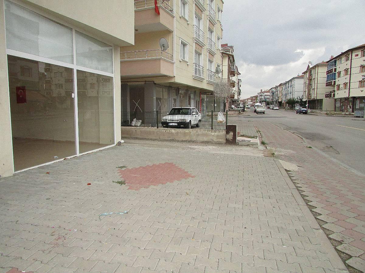 SR EMLAK'TAN PINARBAŞI MAH'DE  48 m² CADDE ÜZERİ SATILIK DÜKKAN