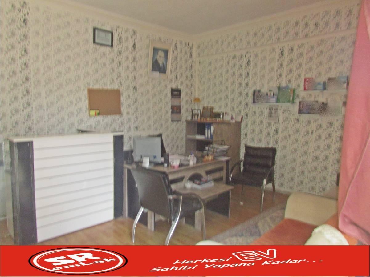 SR EMLAK'TAN MALAZGİRT MAH'DE 70 m² CADDEYE YAKIN SATILIK DÜKKAN