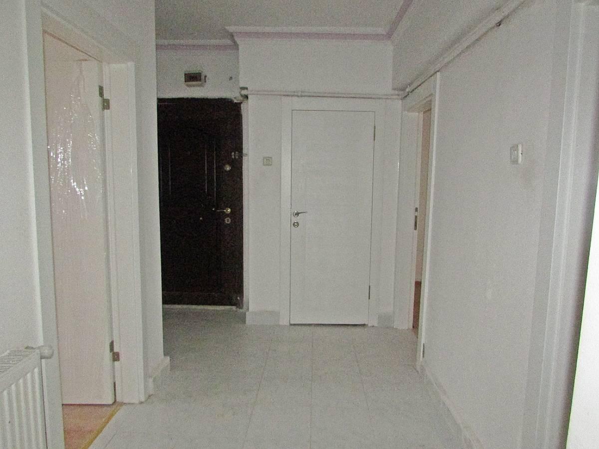 SR EMLAK'TAN İSTASYON MAH'DE 3+1 100 m² ARA KATTA ÖN CEPHE TRENE YAKIN DAİRE