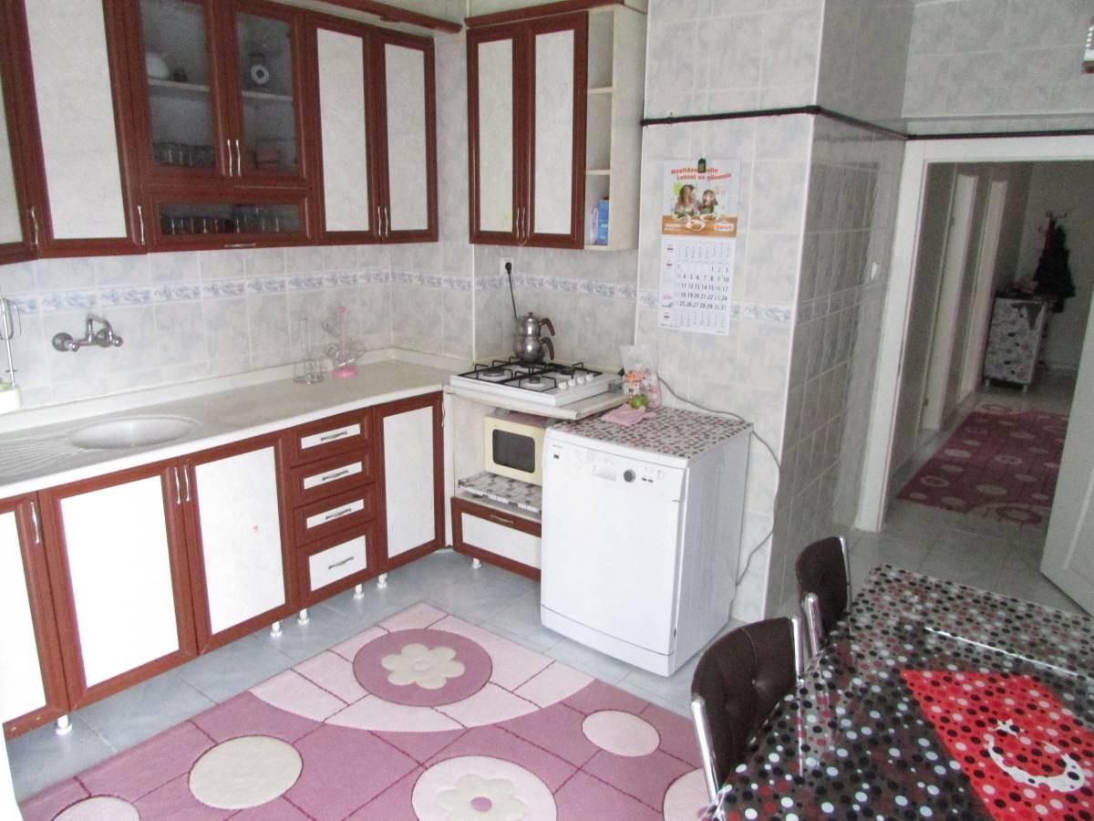 SR EMLAK'TAN MALAZGİRT MAH'DE  3+1 130 m² KATTA MANTOLAMALI DAİRE