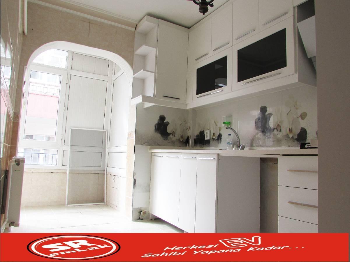 SR EMLAK'TAN AKŞEMSETTİN MAH'DE 3+1 115 m² ÖN CEPHE ARA KATTA YAPILI DAİRE