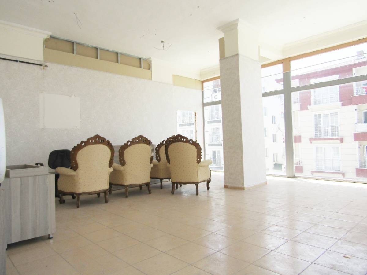 SR EMLAK'TAN PİYADE MAH'DE 80 m² KÖŞE BAŞI DÜKKAN