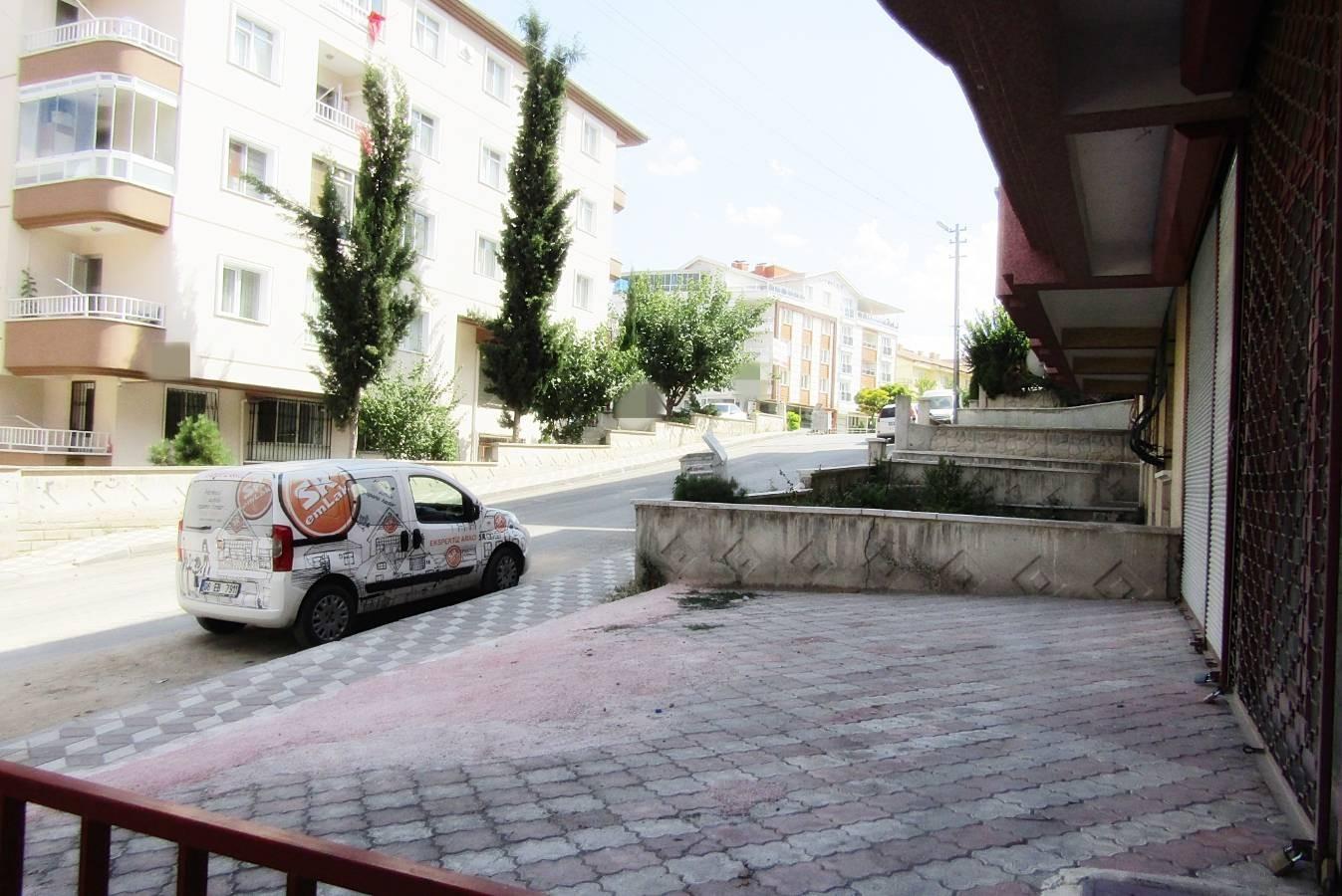 SR EMLAK'TAN PİYADE MAH'DE 30m² ULAŞIMA YAKIN DÜKKAN