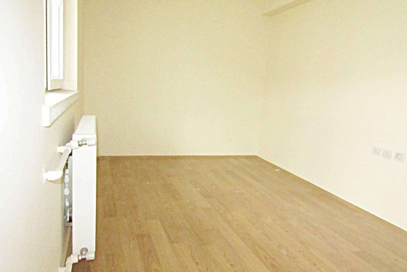 SR EMLAK'TAN PİYADE MAH'DE 3+1 115 m² KATTA BAĞIMSIZ CADDEYE YAKIN ÖN CEPHE DAİRE