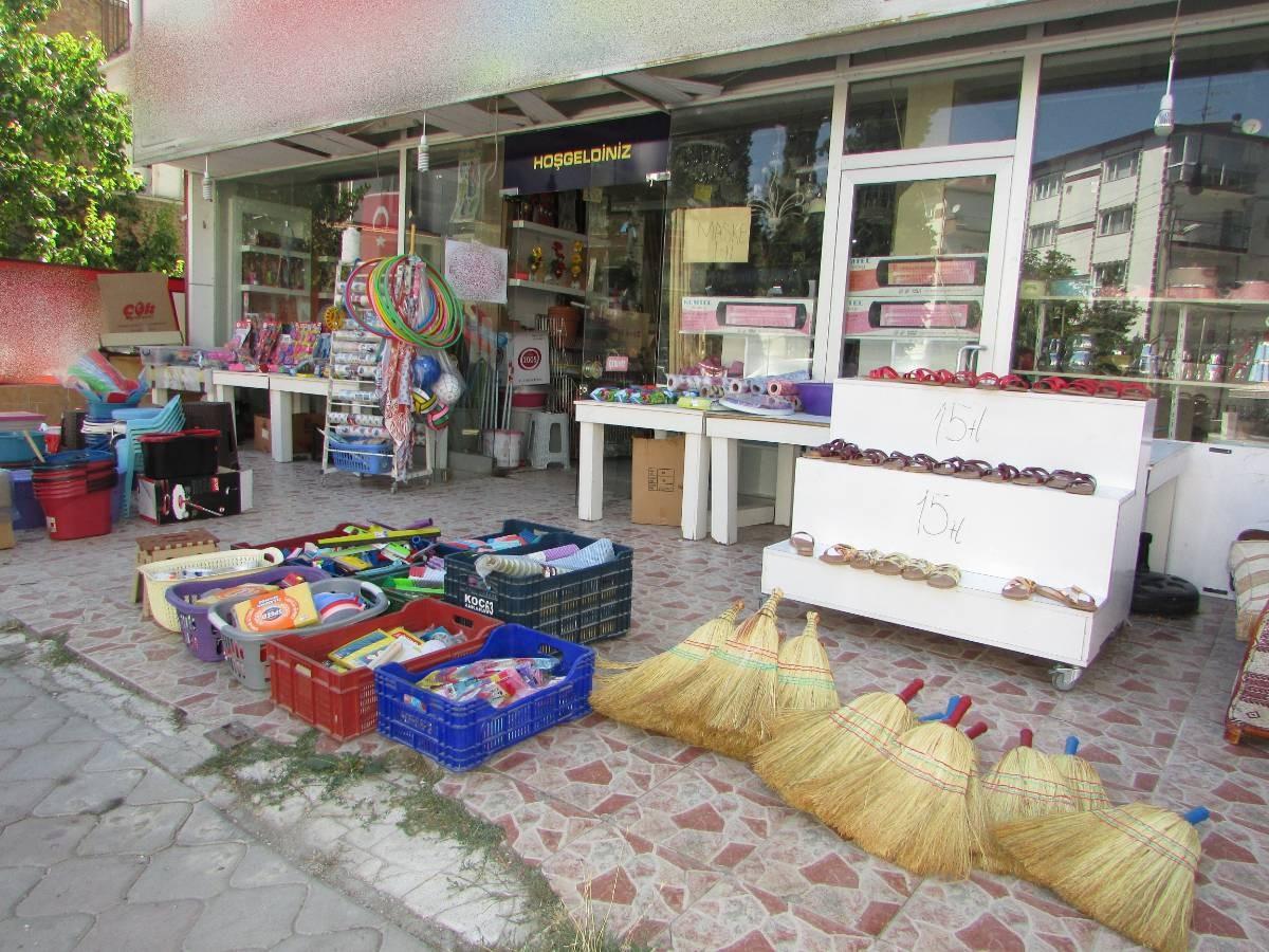 SR EMLAK'TAN AKŞEMSETTİN MAHALLESİN'DE 280 m² DEVREN SATILIK DÜKKAN