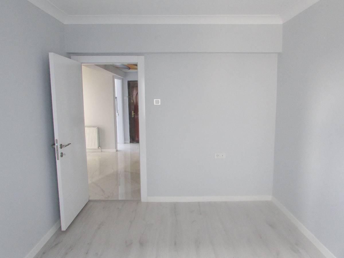 SR EMLAK'TAN İSTASYON MAH DE  3+1 115 m²  ARA KATTA FULL YAPILI ÖN CEPHE MASRAFSIZ DAİRE