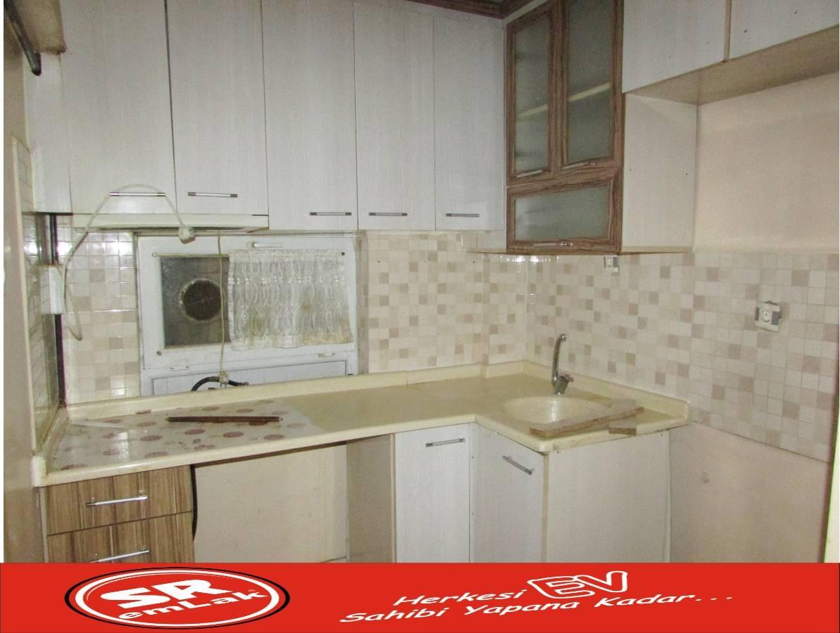 SR EMLAK'TAN İSTASYON MAH'DE 2+1 80 m² TRENE YAKIN ÖN CEPHE SATILIK DAİRE