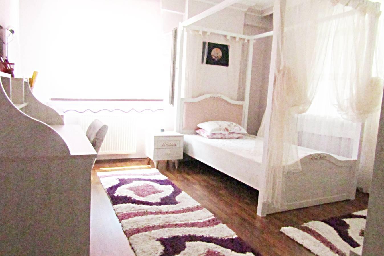 SR EMLAK'TAN ELVAN MAH'DE 5+1 250 m²  YAPILI BAĞIMSIZ CADDEYE YAKIN KAPALI TERAS DAİRE