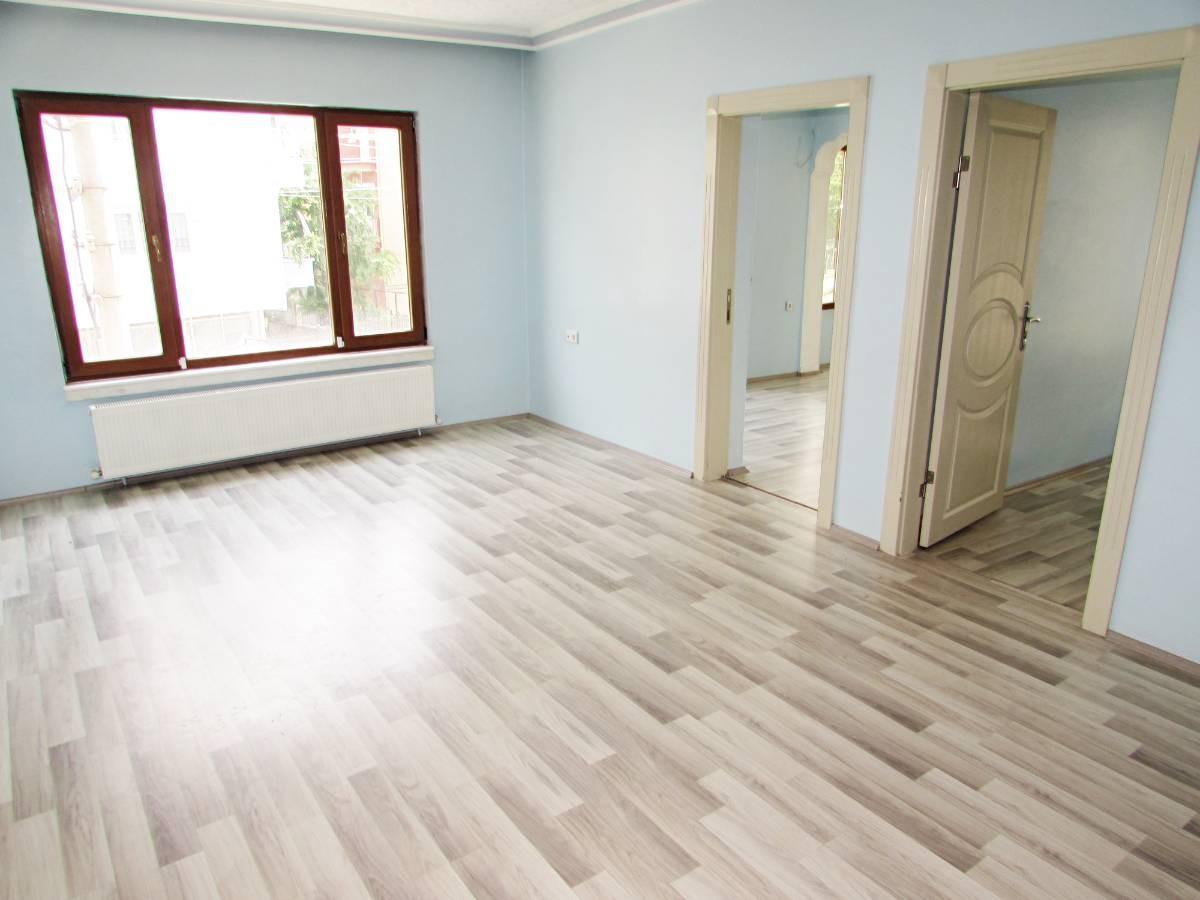 SR EMLAK'TAN M. ÇAKMAK MAH'DE 3+1 120m² ARA KATTA ÖN CEPHE DAİRE