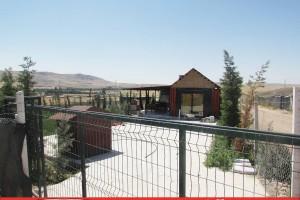 SR EMLAK'TAN YENİKENT MAH'DE 750 m² MERKEZE YAKIN MÜSTAKİL YAPILI HİSSELİ HOBİ BAHÇESİ